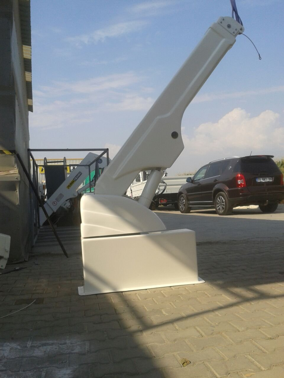 puma-marine-crane384193.jpg