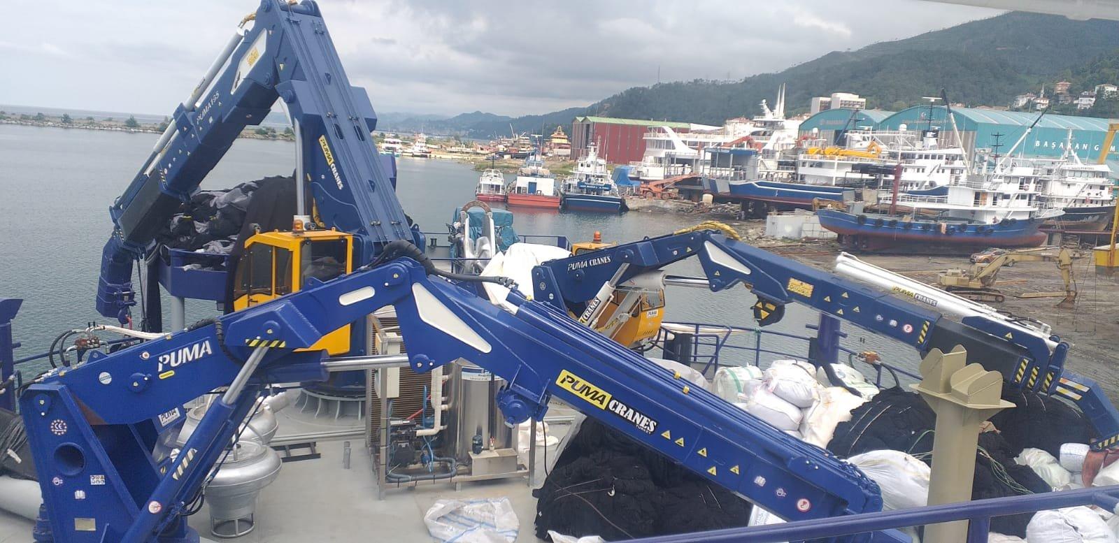 puma-marine-crane385557.jpg