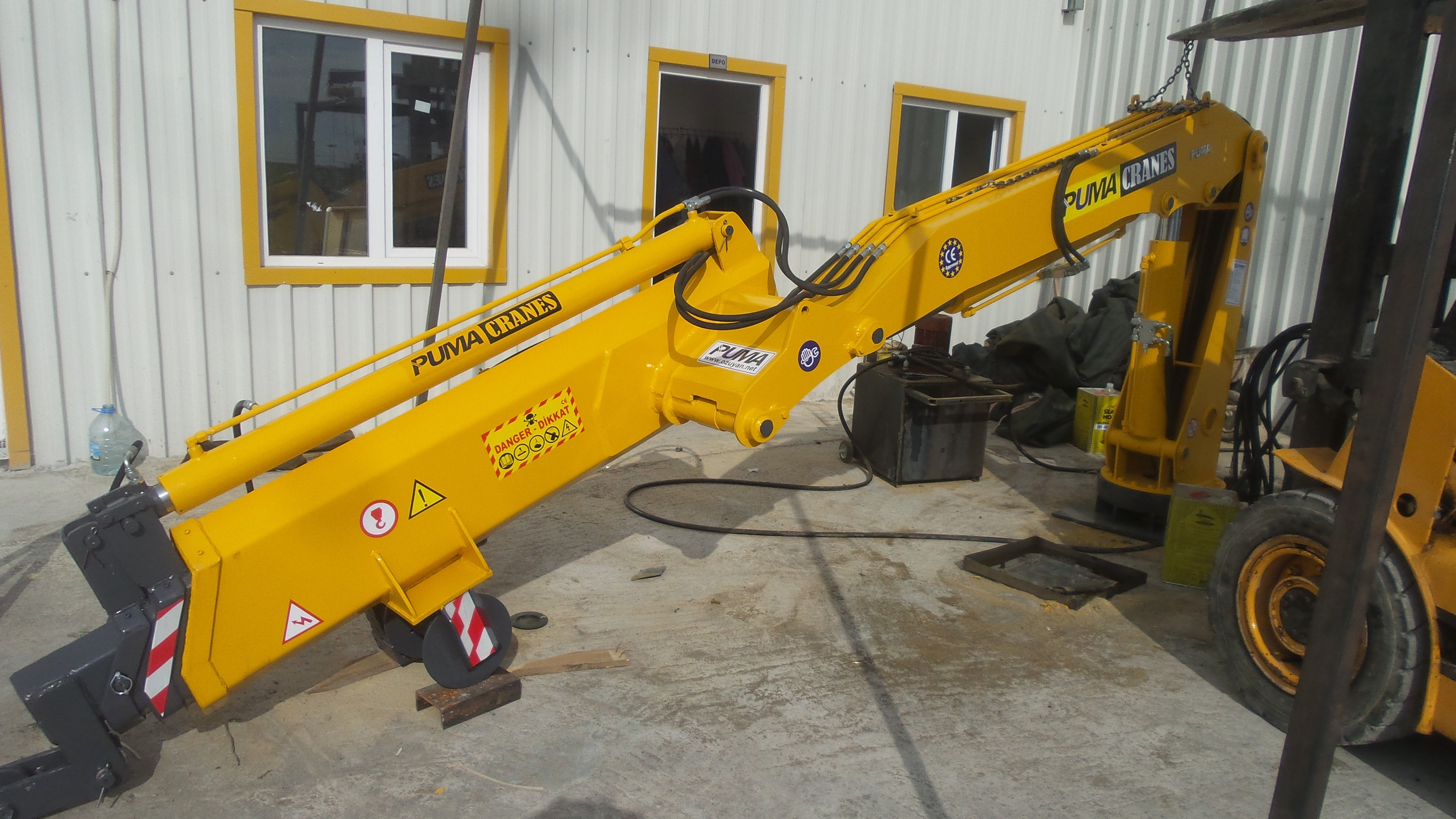 puma-marine-crane414229.jpg