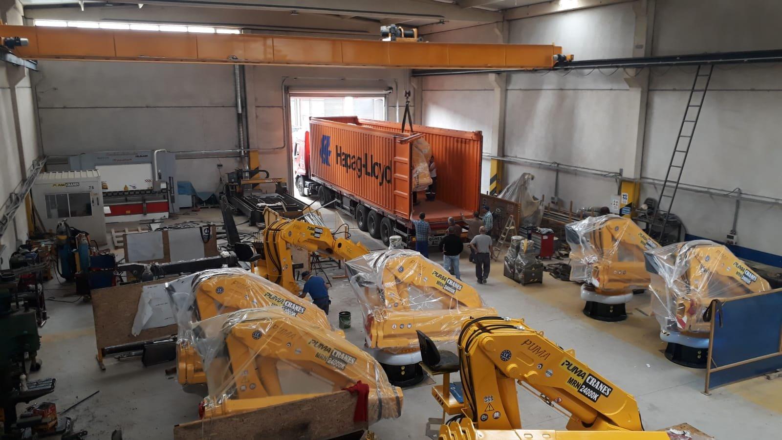 puma-marine-crane463892.jpg