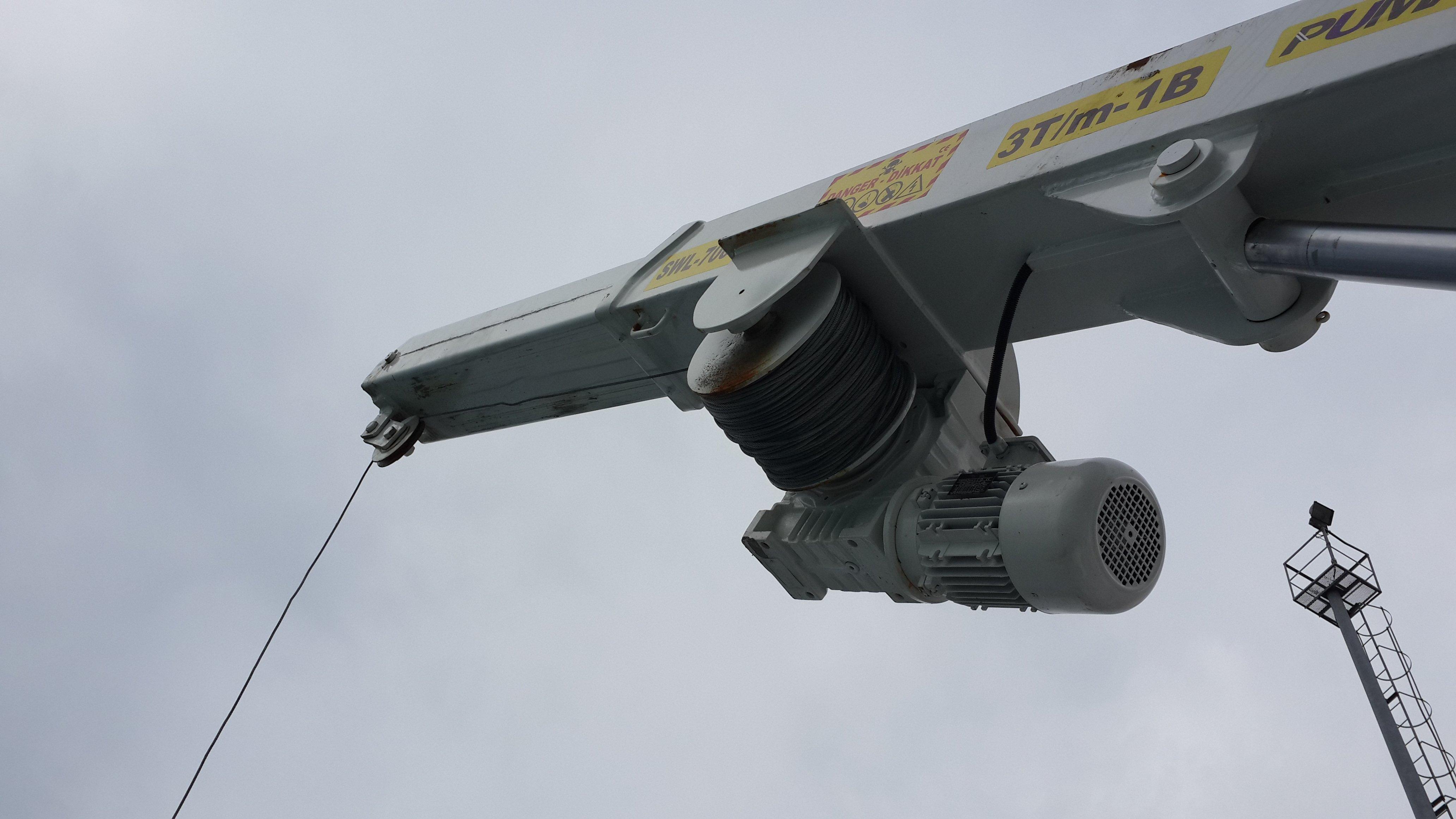 puma-marine-crane7978.jpg
