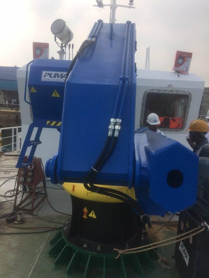 puma-marine-crane944759.jpg