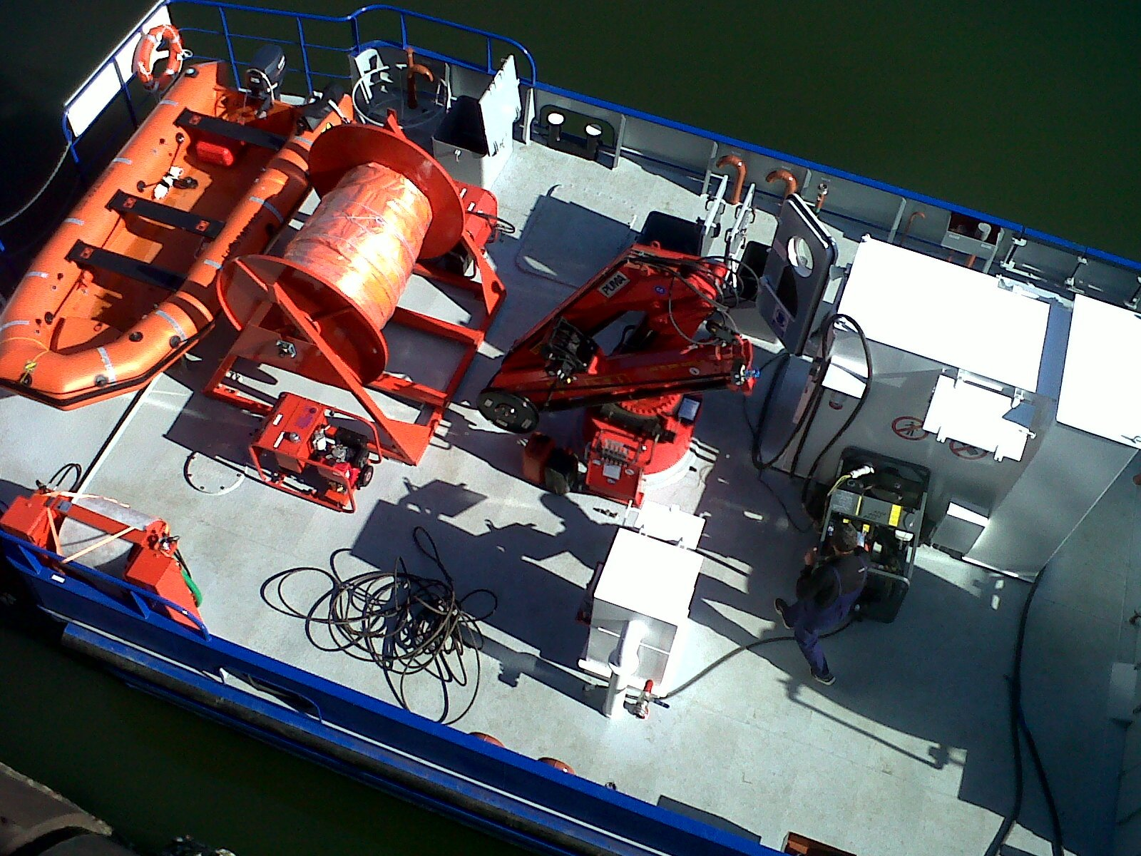 puma-marine-crane976051.jpg